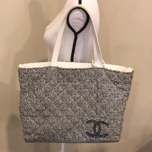 3fb6e2abbcc2ff CHANEL · CHANEL Quilted Terry Cloth Beach ...